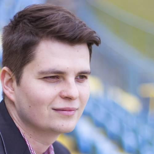 P. Olejár: Multifunkčný človek, ktorý riadi divadelnú agentúru a zároveň robí futbalového agenta